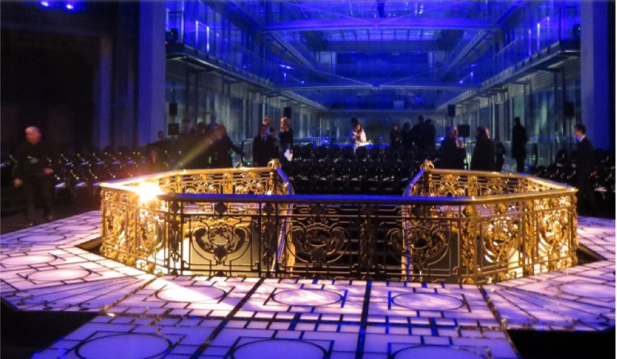 Versace fashion show paris