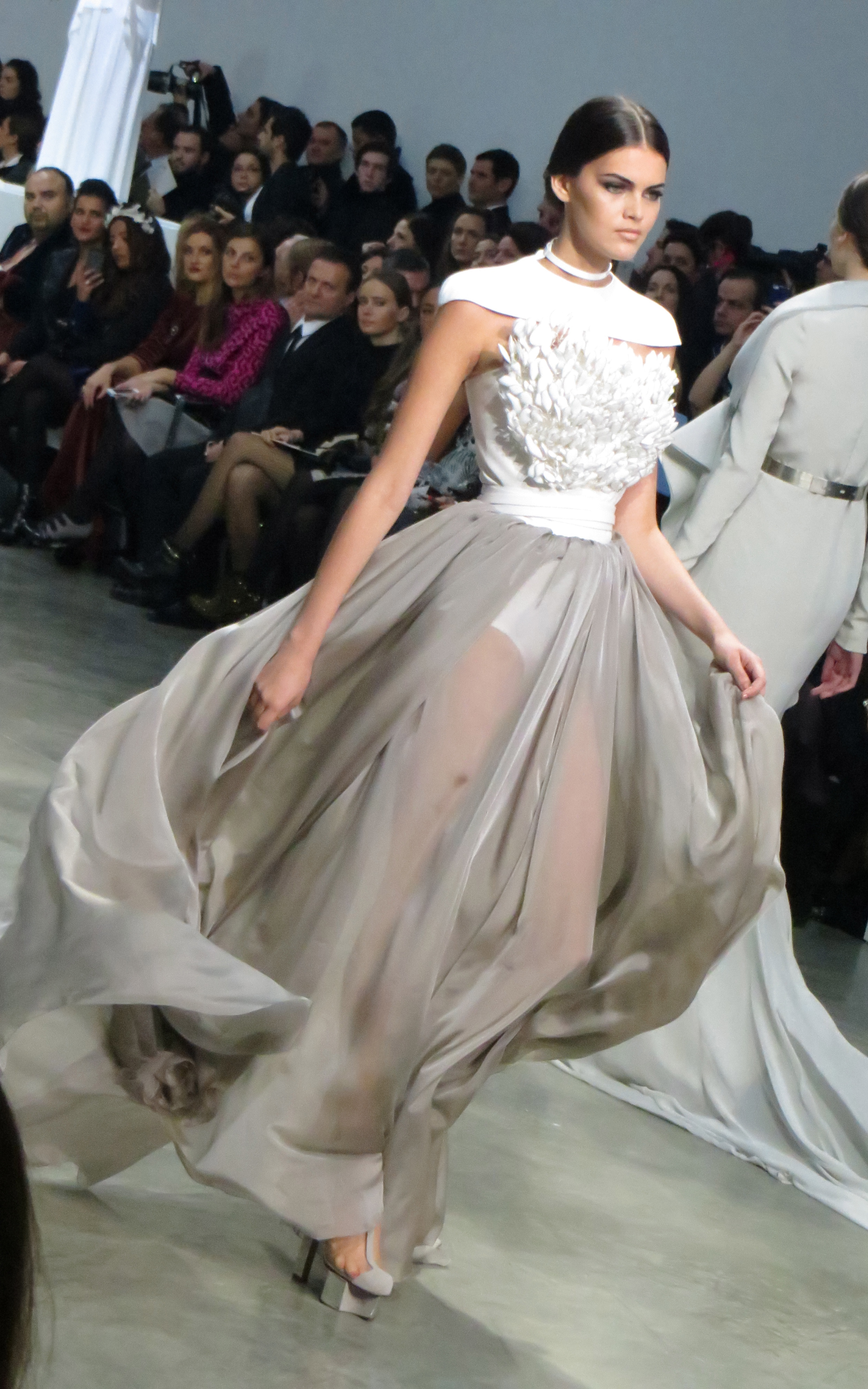 Stephane rolland haute couture show 2013 agent luxe blog for Haute couture show