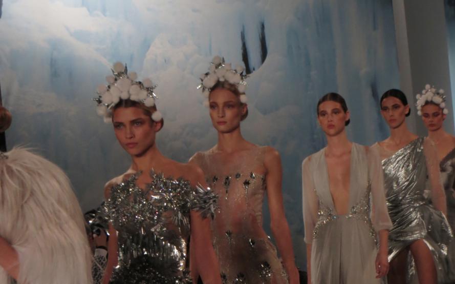 Valentin Yudashkin fashion show paris