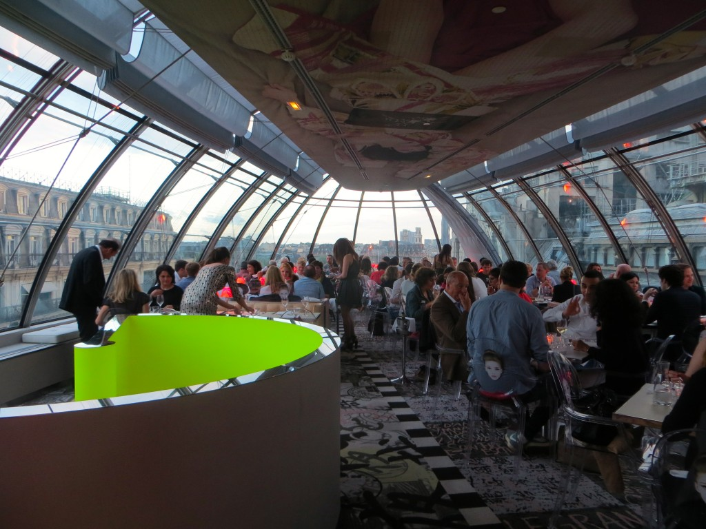 Kong, Costes Restaurant with view to the Seine