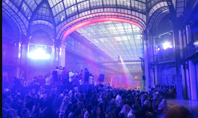 Vivianne Vestwood fashion show paris