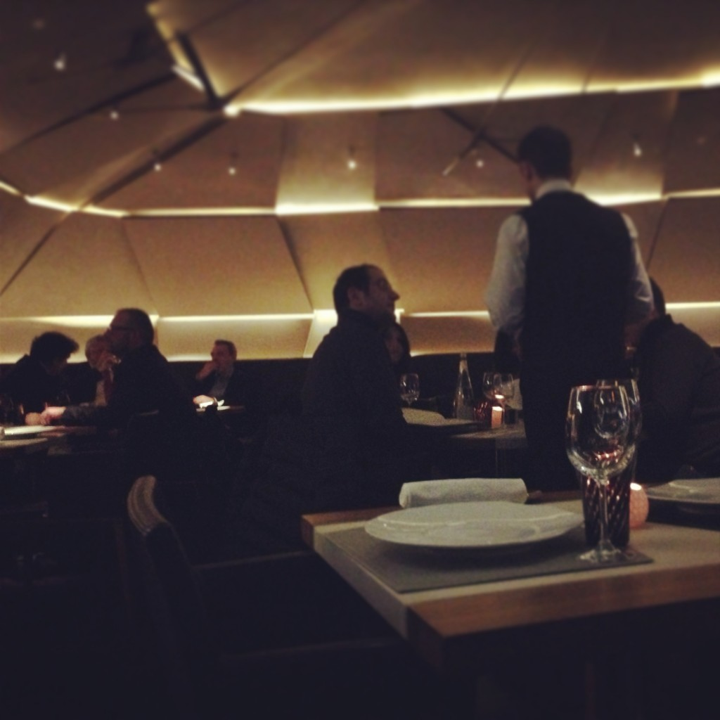 39V restaurant in Paris