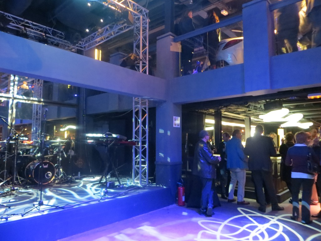 Mercedes-Benz pop up store in Paris 2014