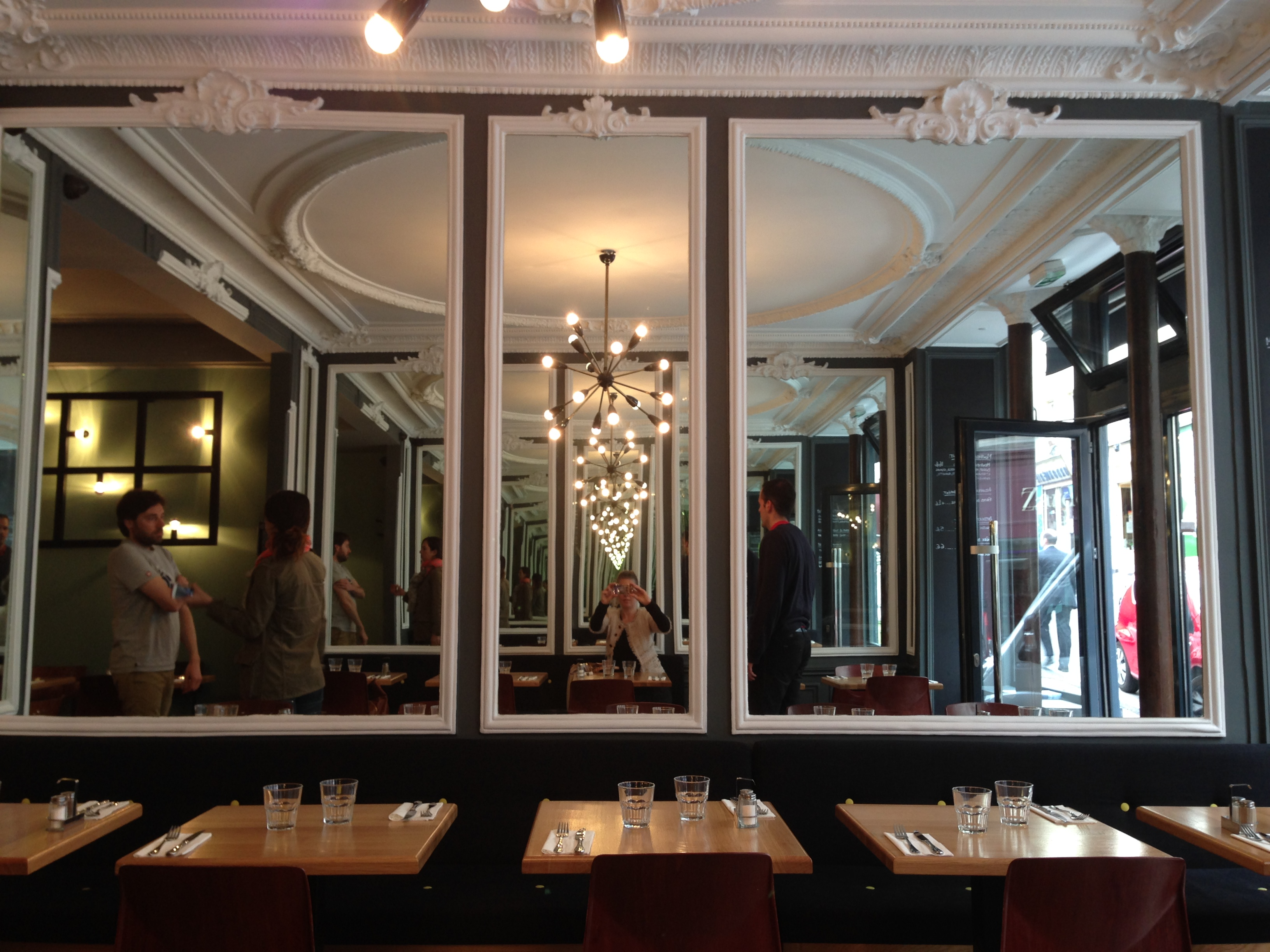 L atelier saint george new quality burger restaurant for Atelier cuisine paris