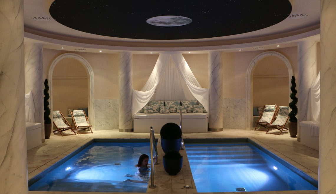 Aquamoon luxury spa At Place Vendôme