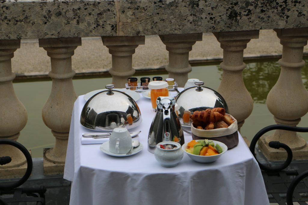Auberge du jeu de paume Chantilly breakfast