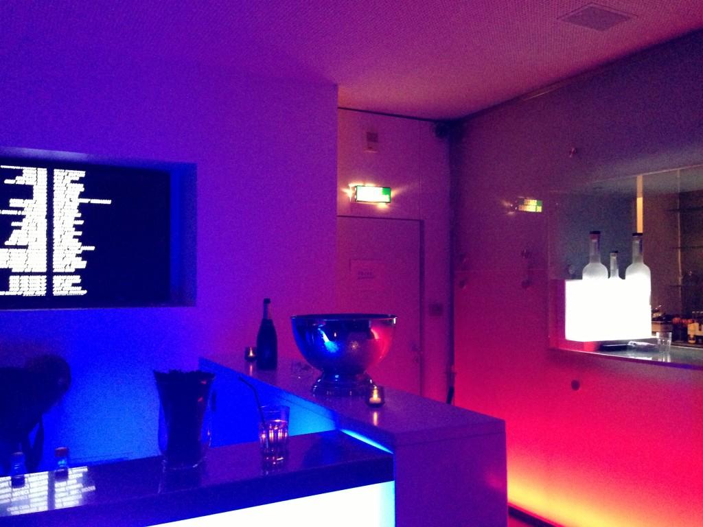La maison blanche - white room club in paris